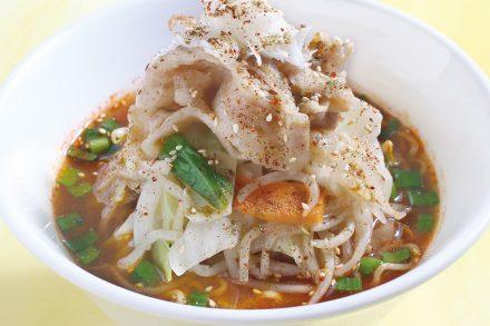 野菜たっぷり旨辛肉麺